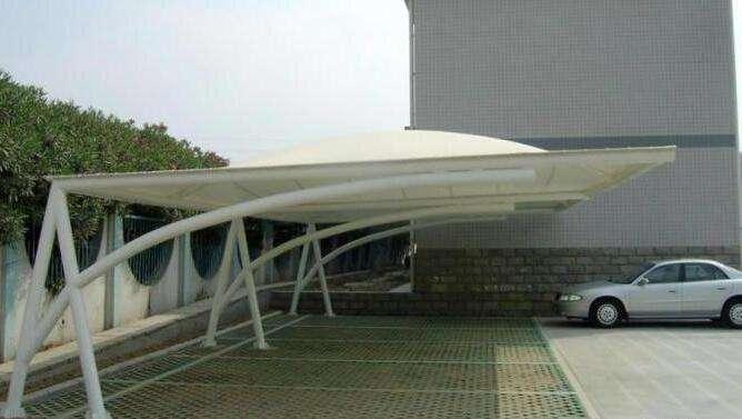 停车棚膜结构如何解决排水问题